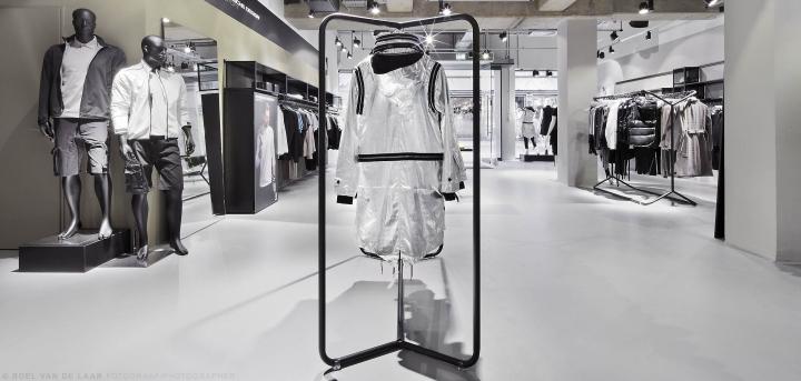 Adidas-pop-up-store-by-Alu-Benelux-Dusseldorf-05