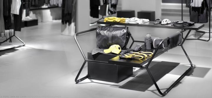 Adidas-pop-up-store-by-Alu-Benelux-Dusseldorf-07