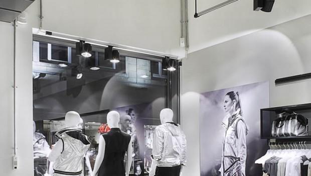 Adidas-pop-up-store-by-Alu-Benelux-Dusseldorf-08