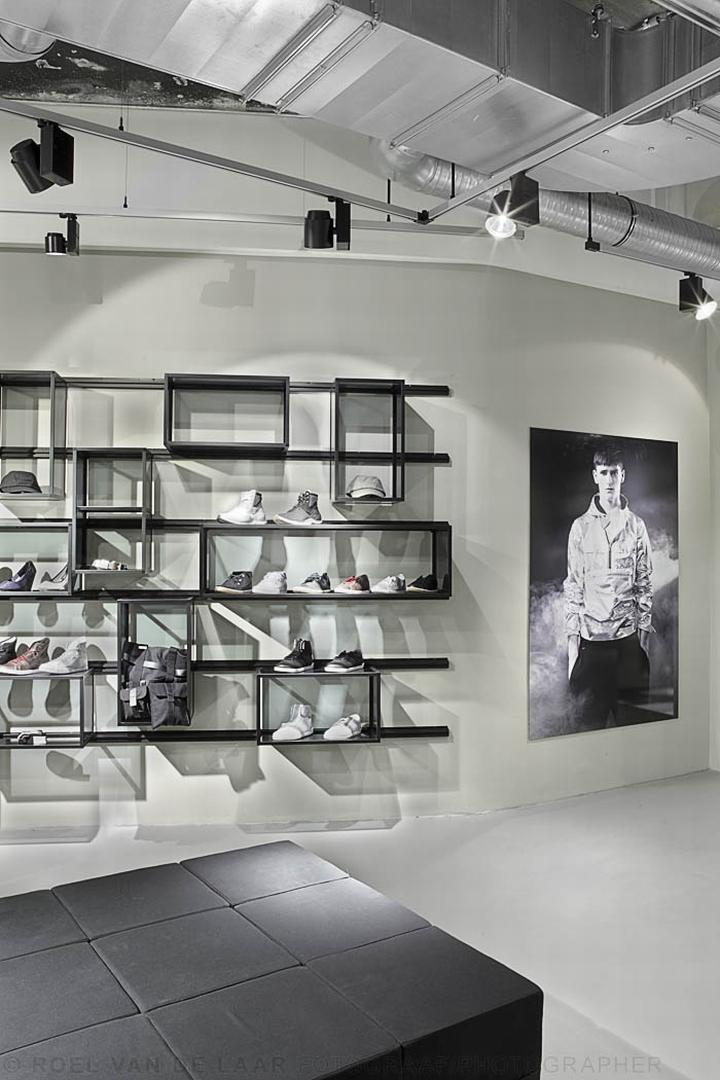 Adidas-pop-up-store-by-Alu-Benelux-Dusseldorf-09