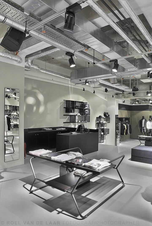 Adidas-pop-up-store-by-Alu-Benelux-Dusseldorf-10