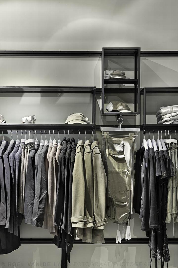Adidas-pop-up-store-by-Alu-Benelux-Dusseldorf-15
