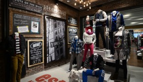 Aeropostale-store-by-GHA-Design-New-York-03