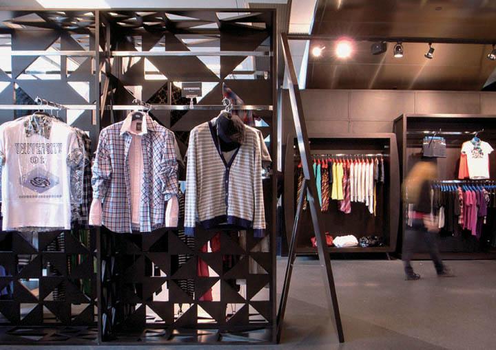 Big-Wardrobe-2-store-Design-Systems-Hong-Kong-03