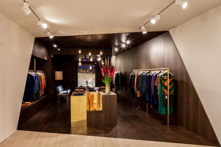 Garde-robe-Nationale-boutique-by-Dieter-Vander-Velpen-Antwerp-02