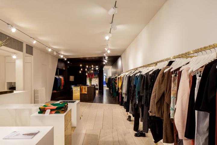 Garde-robe-Nationale-boutique-by-Dieter-Vander-Velpen-Antwerp-03