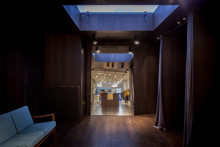 Garde-robe-Nationale-boutique-by-Dieter-Vander-Velpen-Antwerp-04