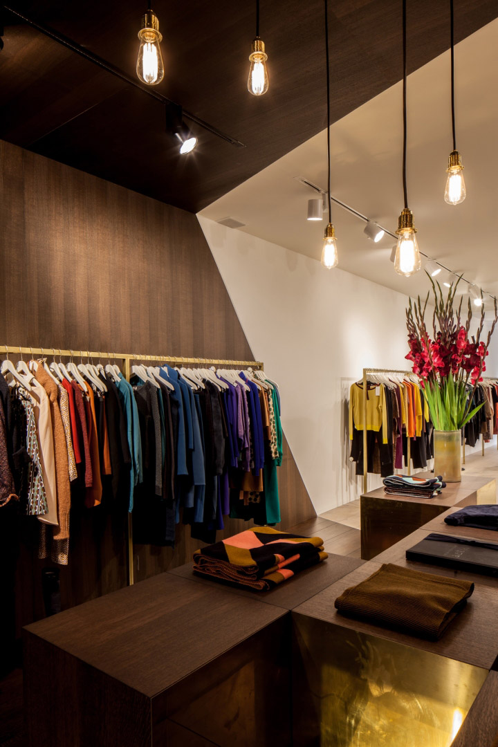 Garde-robe-Nationale-boutique-by-Dieter-Vander-Velpen-Antwerp-05