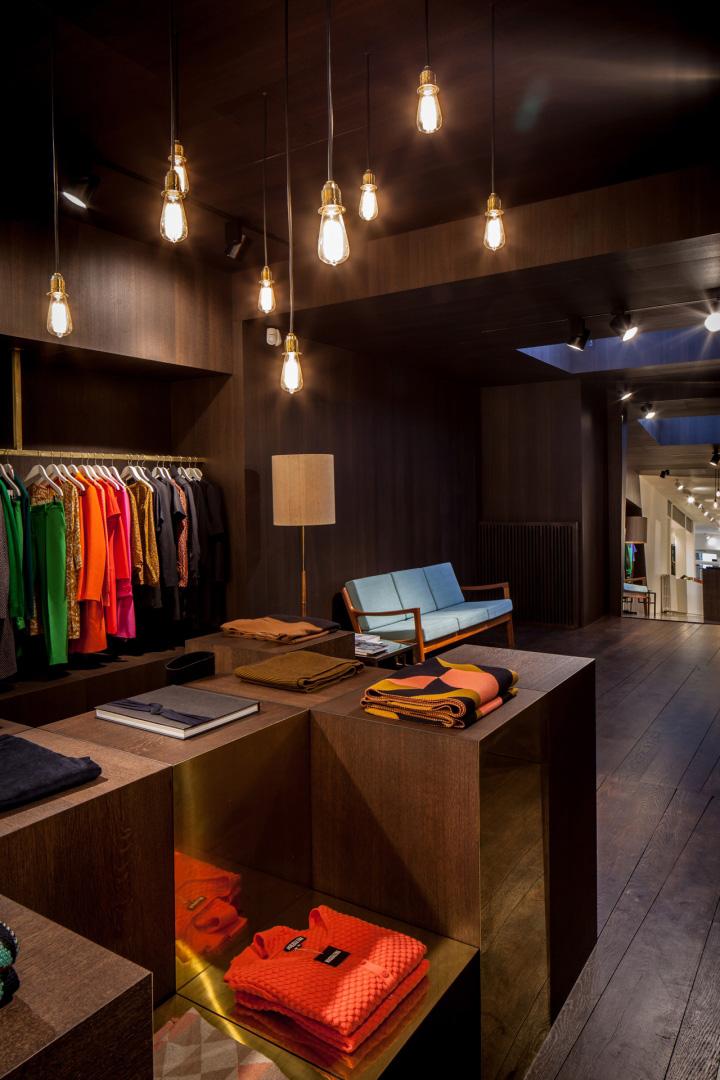 Garde-robe-Nationale-boutique-by-Dieter-Vander-Velpen-Antwerp-06