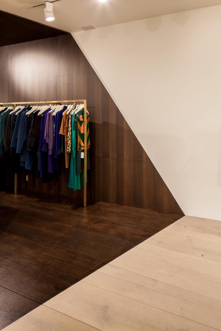 Garde-robe-Nationale-boutique-by-Dieter-Vander-Velpen-Antwerp-10