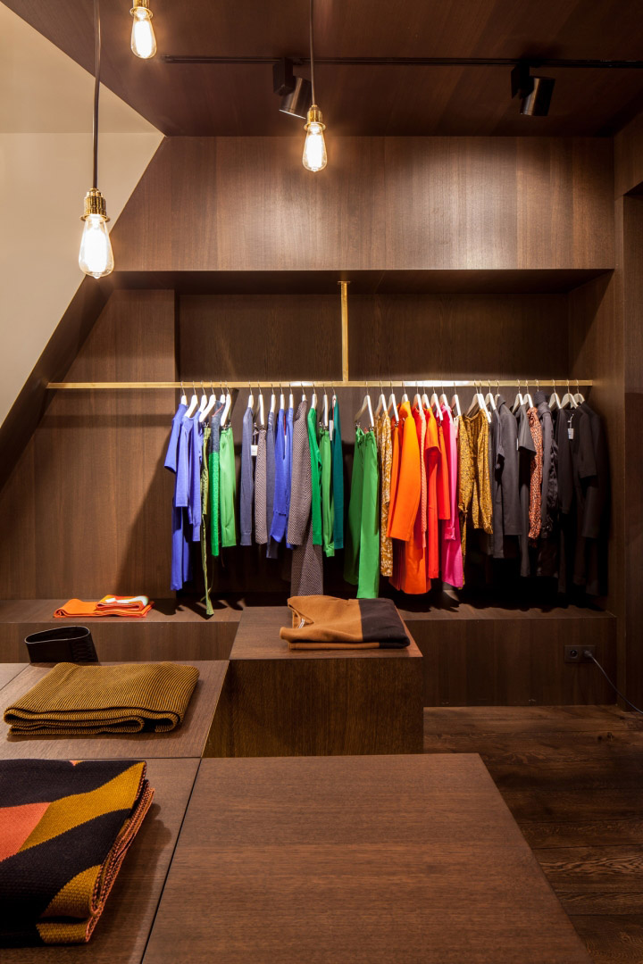 Garde-robe-Nationale-boutique-by-Dieter-Vander-Velpen-Antwerp-12