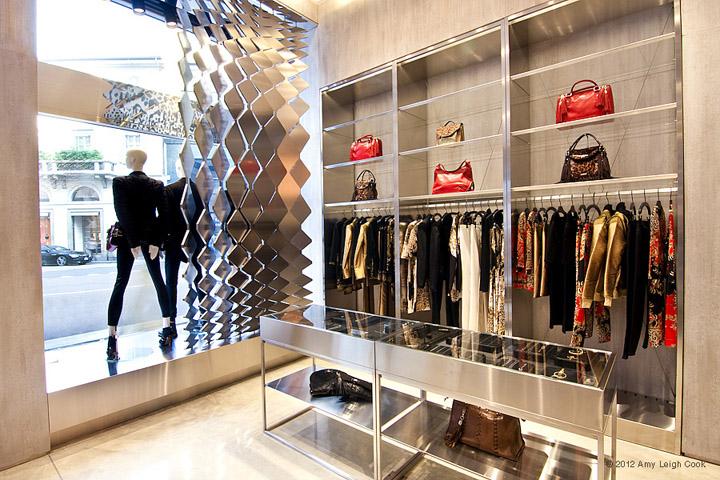 JUST-CAVALLI-flagship-store-Milan-02