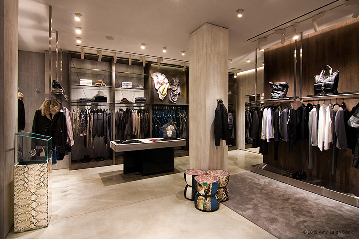 JUST-CAVALLI-flagship-store-Milan-04