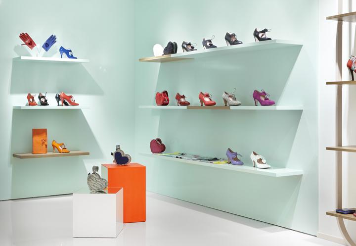 Minna-Parikka-flagship-store-Joanna-Laajisto-Creative-Studio-Helsinki-02