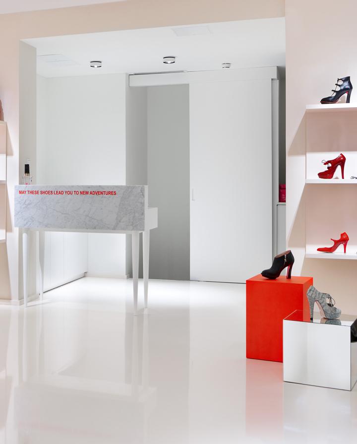 Minna-Parikka-flagship-store-Joanna-Laajisto-Creative-Studio-Helsinki-04