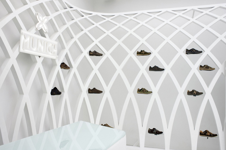Munich-flagship-store-by-DearDesign-Santiago-05