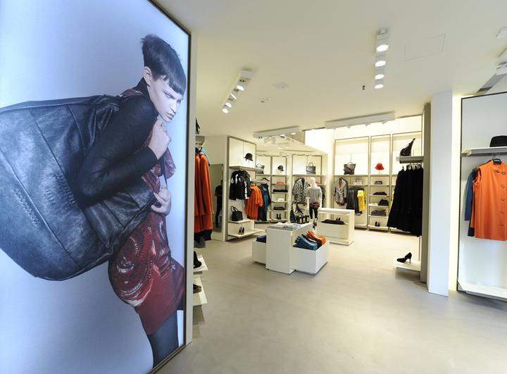 Sisley-store-by-Arcabi-Associates-Milan-02