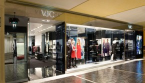 VJC-Versace-store-by-Arcabi-Associates-04