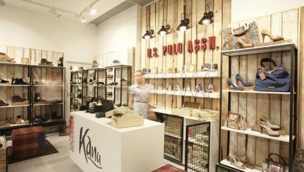 Kanu-store-by-Tomas-Jasiulis-Vilnius-03