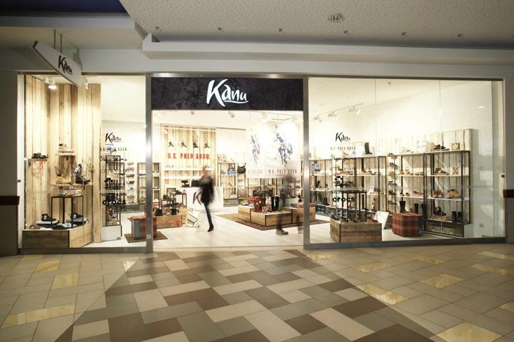 Kanu-store-by-Tomas-Jasiulis-Vilnius-05