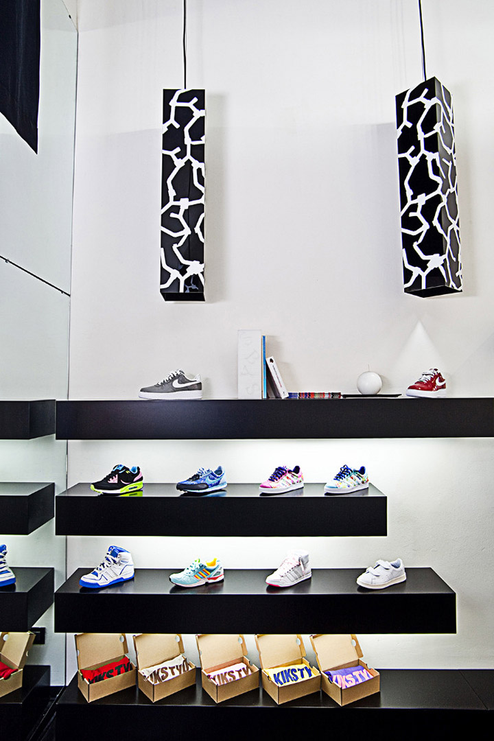 Step-by-Step-sneakers-boutique-yet-matilde-Turin-03
